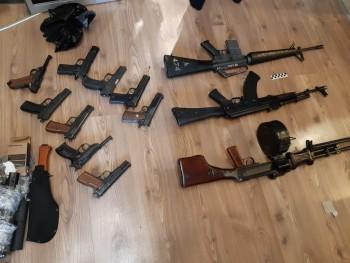 В Свердловской области ФСБ задержала банду, занимавшуюся незаконной торговлей оружием (ФОТО, ВИДЕО)