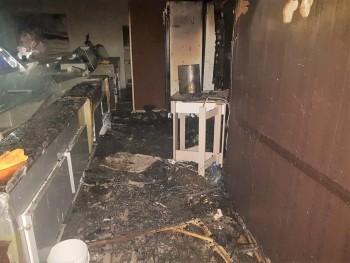 Ночью в Нижнем Тагиле сгорел кондитерский магазин