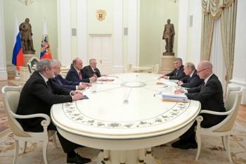 Путин потребовал ввести наказания за нарушения на голосовании по Конституции