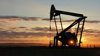 Цены на нефть начали расти после резкого падения