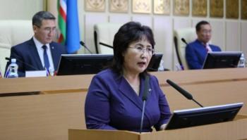 «Президент неимеет права держать вруках все три ветви власти»: в Якутии депутат сложила полномочия взнак протеста против поправок вКонституцию
