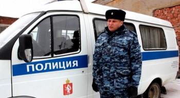В Свердловской области полицейский помог водителю выбраться из горящей машины за секунду до взрыва