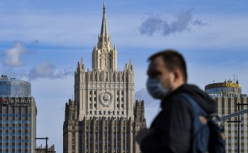 Baza сообщила опланах мэрии Москвы закрыть город при заражении 800 человек. Власти назвали это клеветой