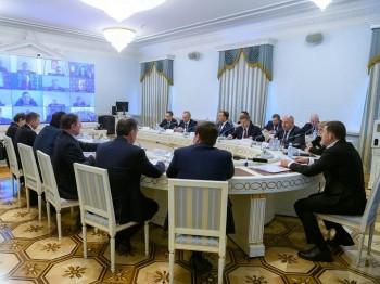 Евгений Куйвашев попросил жителей Свердловской области старше 65 лет оставаться дома до 12 апреля