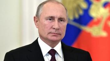 «Самое безопасное сейчас — побыть дома». Владимир Путин объявил нерабочую неделю и перенёс голосование по поправкам к Конституции