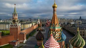 ВМоскве отменили госзакупки наорганизацию праздников. Отменены районные праздники Пасхи, Дня труда иДня Победы
