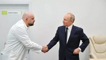 Подтверждён коронавирус у главврача больницы в Коммунарке, недавно контактировавшего с Владимиром Путиным
