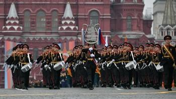 РБК: Парад Победы могут перенести на день окончания Второй мировой войны