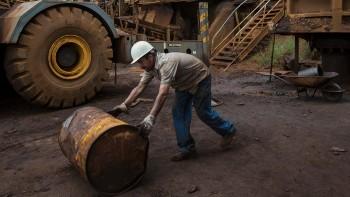 Цена российской нефти Urals опустилась до10 долларов за баррель