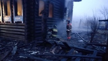 В Свердловской области в пожаре погибли трое детей