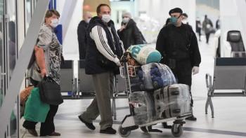 Посольство предложило застрявшим в США россиянам пожить в семьях соотечественников