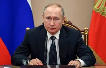 Путин предложил установить доплаты врачам в 80 тысяч рублей в месяц за борьбу с коронавирусом