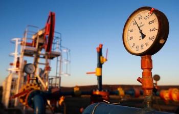ОПЕК и Россия договорились о сокращении добычи нефти