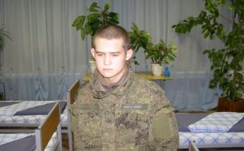 Обвиняемому в расстреле сослуживцев солдату Шамсутдинову продлили арест