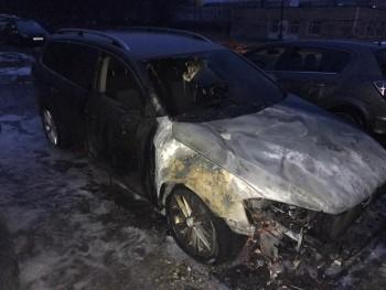 В Нижнем Тагиле в результате поджога пострадали два автомобиля
