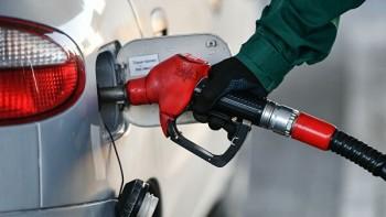 В регионах России снизились цены на бензин