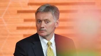 Кремль обвинил в появлении очередей в метро из-за проверки пропусков самих жителей