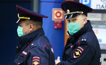 В Екатеринбурге полиция составила протокол за нарушение режима самоизоляции на волонтёров, развозящих еду