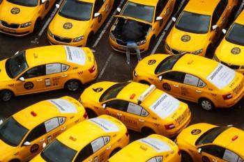 В Москве водитель «Яндекс.Такси» избил клиентку из-за того, что не смог считать код на её электронном пропуске