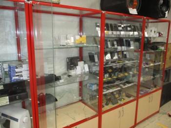 В Нижнем Тагиле подростки со старшим подельником ограбили комиссионный магазин
