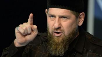 Кадыров предложил наказывать пользователей, публикующих всоцсети видео погони полиции занарушителями карантина