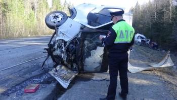 Под Нижним Тагилом в ДТП с четырьмя автомобилями погиб человек