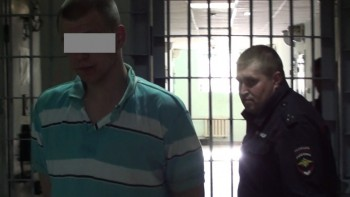 Полиция Нижнего Тагила по горячим следам задержала 18-летнего уличного грабителя