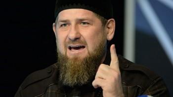 Кадыров потребовал уволить медиков, пожаловавшихся на нехватку средств защиты
