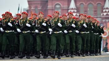 Минобороны выступает за перенос парада Победы на сентябрь