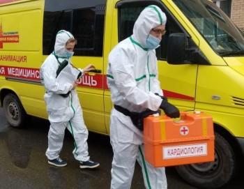 Изолированные в Тагиле. Сотрудник скорой помощи рассказал о работе в разгар пандемии, первой реакции людей на диагноз COVID-19 и «тревожном чемоданчике»