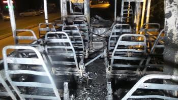 В Екатеринбурге на ходу сгорел автобус