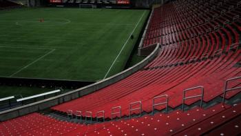 Роспотребнадзор разрешил проводить футбольные матчи созрителями натрибунах