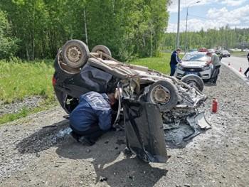 В массовом ДТП под Первоуральском пострадали два человека
