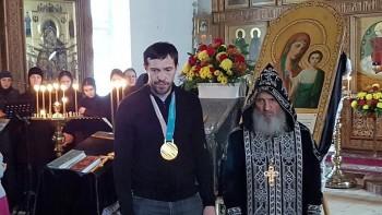 Хоккеист Павел Дацюк выступил взащиту священника, проклинавшего всех, кто «посягает на закрытие храмов»