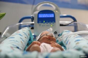 НаКамчатке врачи спасают двух младенцев, заморенных голодом родителями