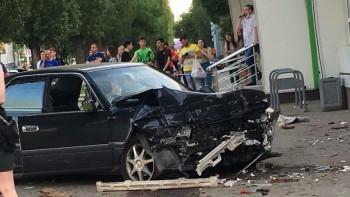 В Воронеже полицейский сбил трёх пешеходов на тротуаре, один человек погиб