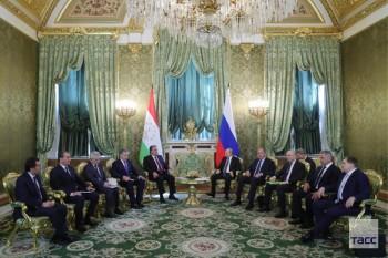 Россия направит 21,2 млн долларов в систему школьного питания в Таджикистане