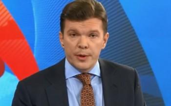 Ведущий Первого канала назвал полицейских США «терпилами», ароссийских— «героями»