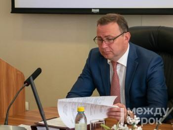 Через неделю Владислав Пинаев впервые отчитается перед депутатами за год самостоятельной работы на посту мэра Нижнего Тагила (ИНФОГРАФИКА)