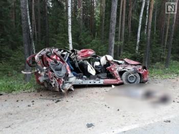Под Кировградом пьяный водитель устроил смертельное ДТП после свадебной вечеринки, погибла девочка-подросток
