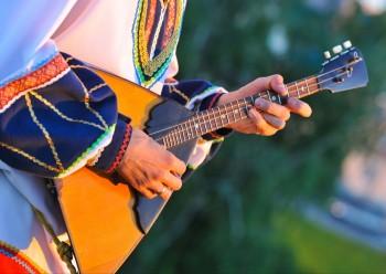 Музей-заповедник приглашает тагильчан отметить День балалайки онлайн