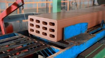 На Кушвинском кирпичном заводе погиб подросток после того, как его затянуло в конвейерную ленту