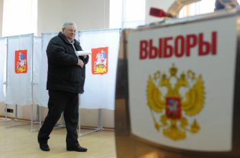 В Кремле обсуждают назначение наблюдателей на выборах только через Общественную палату