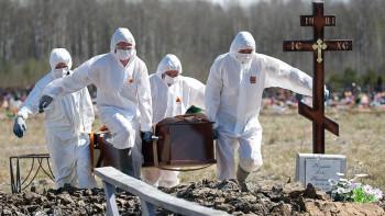 Росстат: В мае от коронавируса в России умерли в два раза больше человек, чем сообщал оперативный штаб