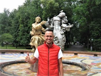 На жителя Великого Новгорода завели уголовное дело о вандализме после того, как он самостоятельно «отреставрировал» городской фонтан