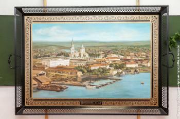 Сторожевая башня, первый паровоз и самовар. Тагильские мастера приступили к росписи очередного подноса-гиганта