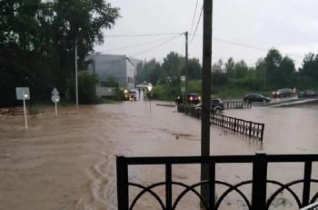В Нижних Сергах из-за подтопления 230 домов введён режим ЧС (ВИДЕО)