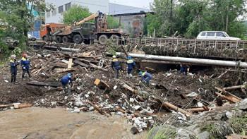 В Нижние Серги после наводнения прилетел глава МЧС