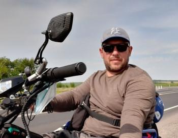 Тагильчанин отправился в Крым на инвалидном кресле
