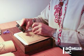 Создатель единственного на Урале музея бересты проведёт мастер-класс онлайн